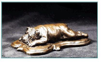 Bulldog - small lying on deco base