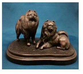 Keeshond - Pair on Grassy Base